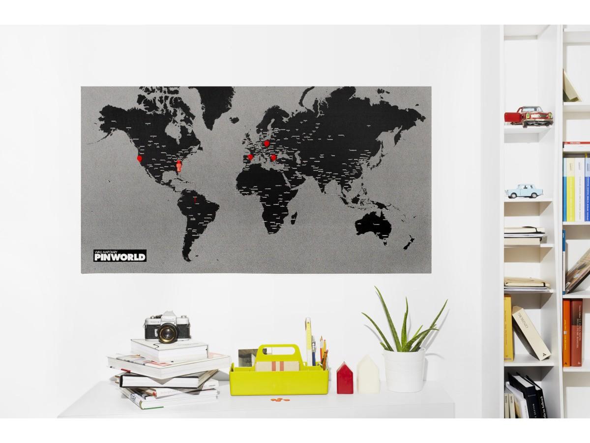 Pin World Black Mini - Världskarta på filt med nålar 77x48cm