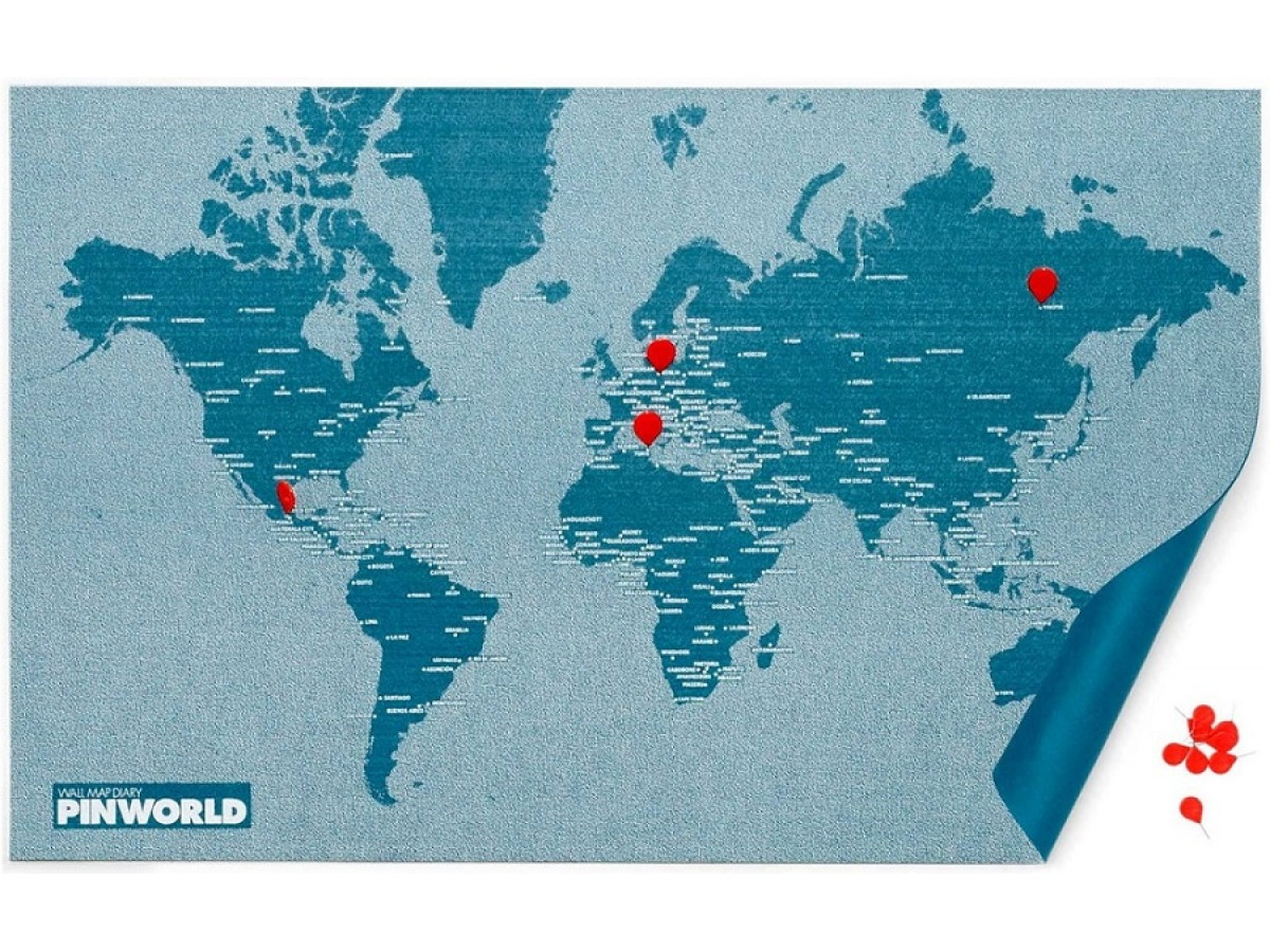 Pin World Light Blue Mini - Världskarta på filt med nålar 77x48cm